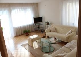 Rheinstrasse 46,8212 Neuhausen,3.5 Bedrooms Bedrooms,1 BadBathrooms,Wohnung,Rheinstrasse 46,1,1011